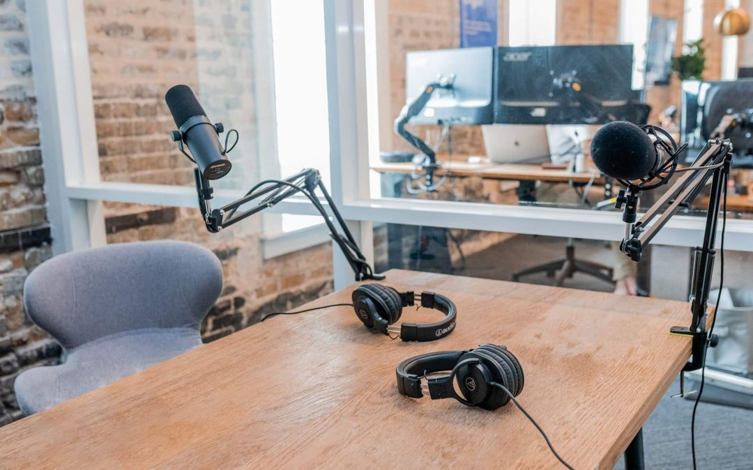 Skyrocket Your Business with These Top 8 Internet Marketing Podcasts in 2020
